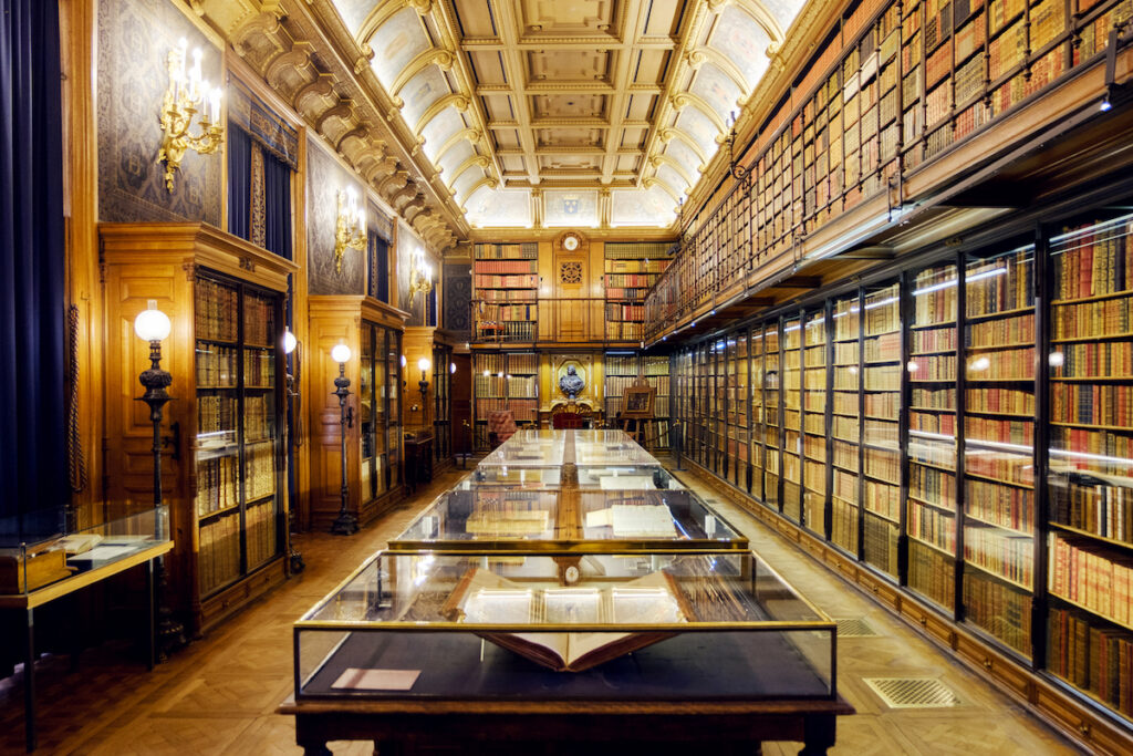 The library at the Chateau de Chantilly.