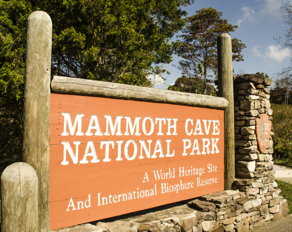 The Mammoth National Park entrance sign.