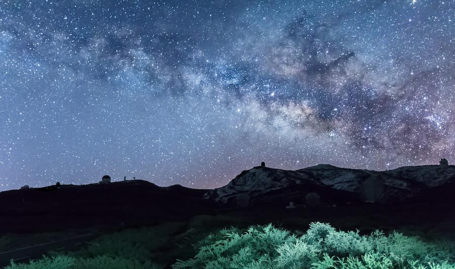 The night sky over Roque de los Muchachos observatory.