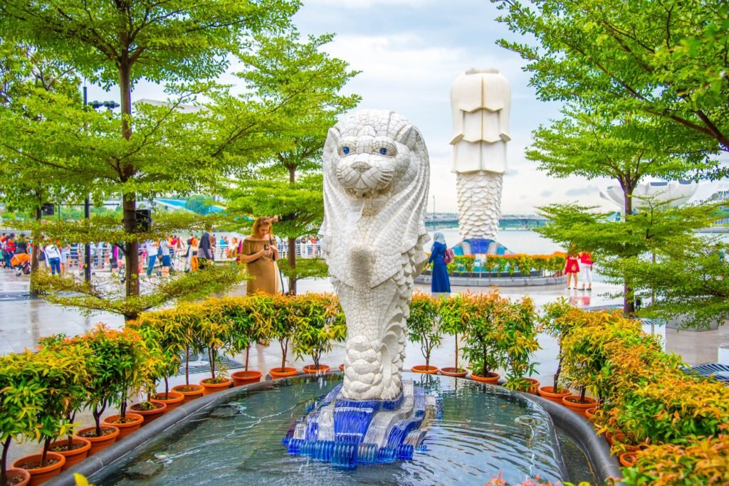The original Merlion and the Merlion cub.