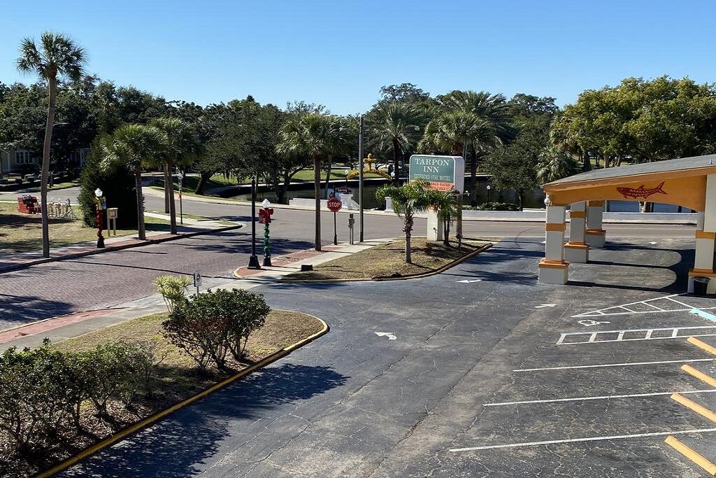 The parking lot at Tarpon Inn.