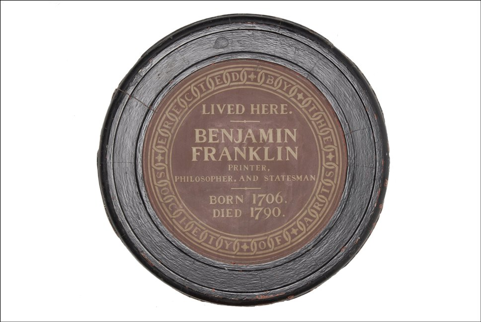 The plaque at the Ben Franklin House.