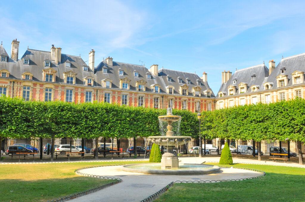 The public square at Place des Vosges.