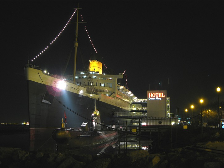 The Queen Mary docked at night