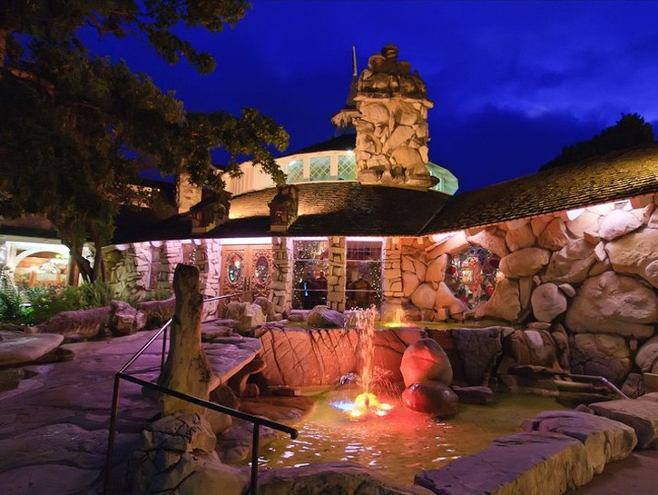The rocky exterior and fountain outside the Madonna Inn