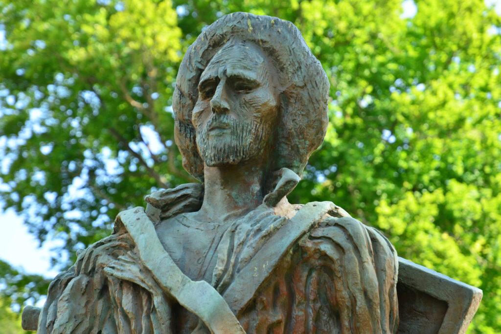 The statue of Van Gogh in Parc Van Gogh.