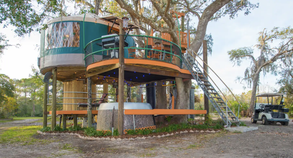 The treehouse Airbnb in Florida.