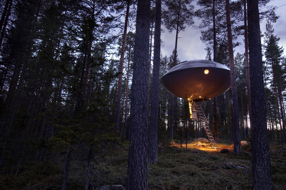 The UFO room at the Treehotel.