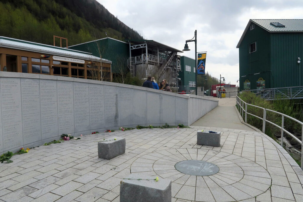 The walkway to Fishermen's Memorial.