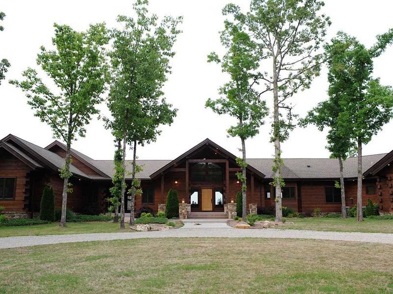 The White River Inn in Arkansas.