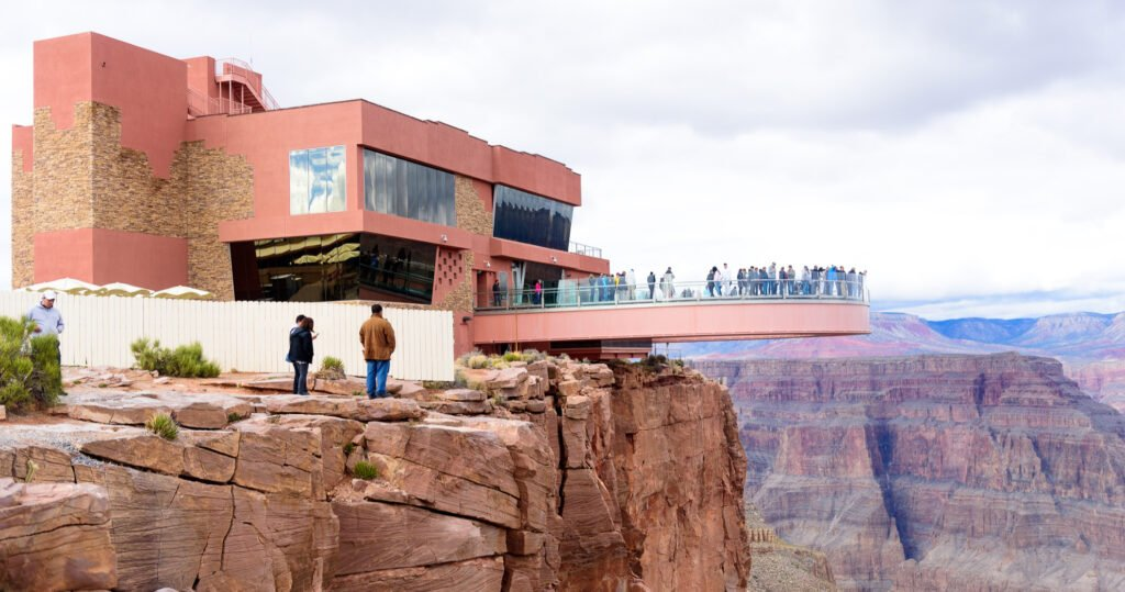 Tourists at Eagle Point Observation along the Grand Canyon.