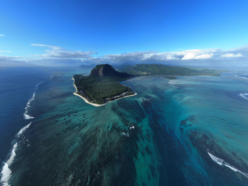 Underwater waterfall and Le Morne Brabant.