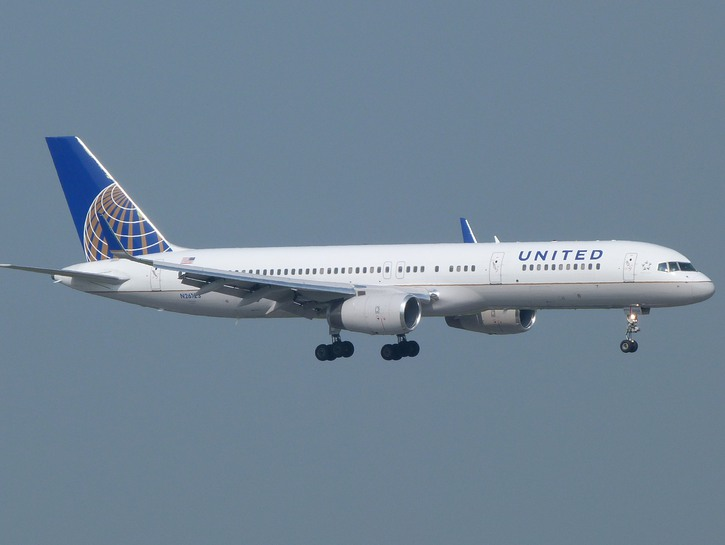 United Airlines airbus in flight