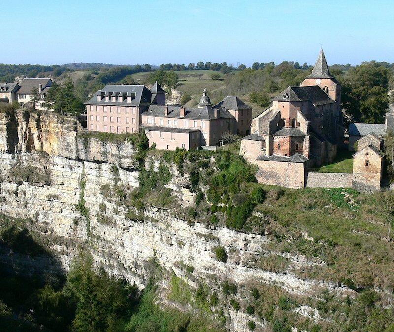 Village of Bozouls near a cliff.