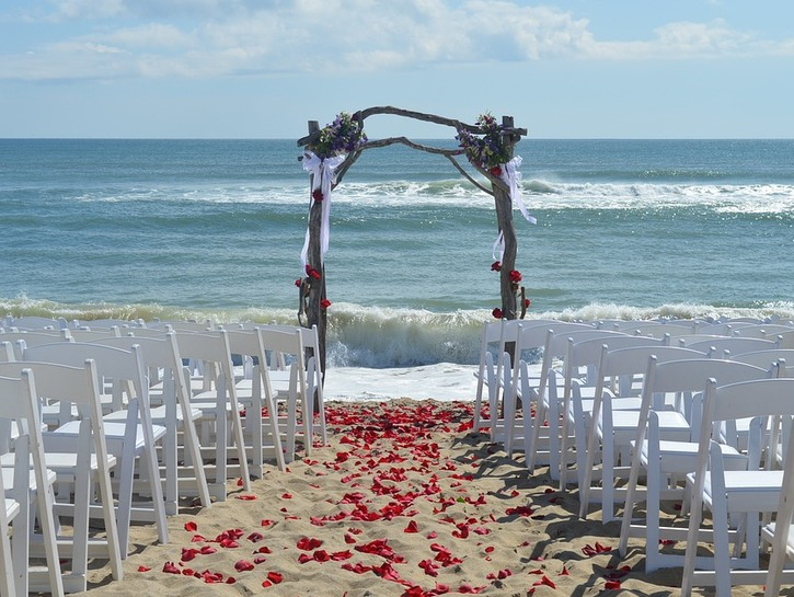 What better place to tie the knot than Martha's Vineyard?