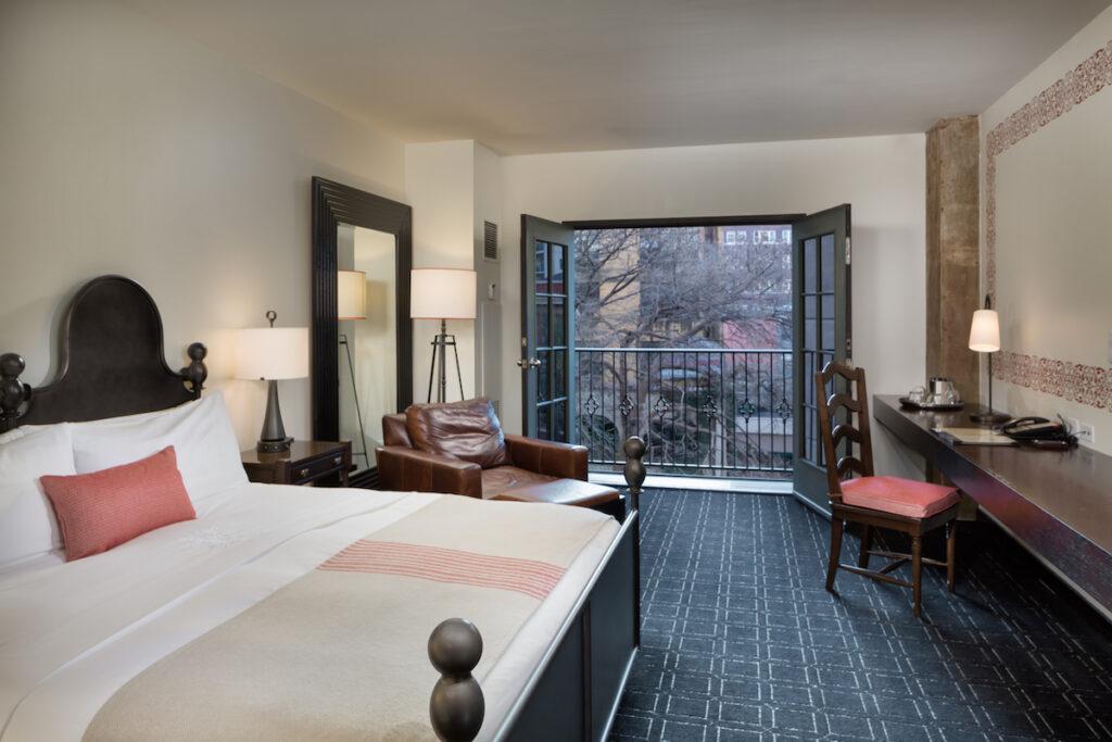A room at Hotel Valencia.