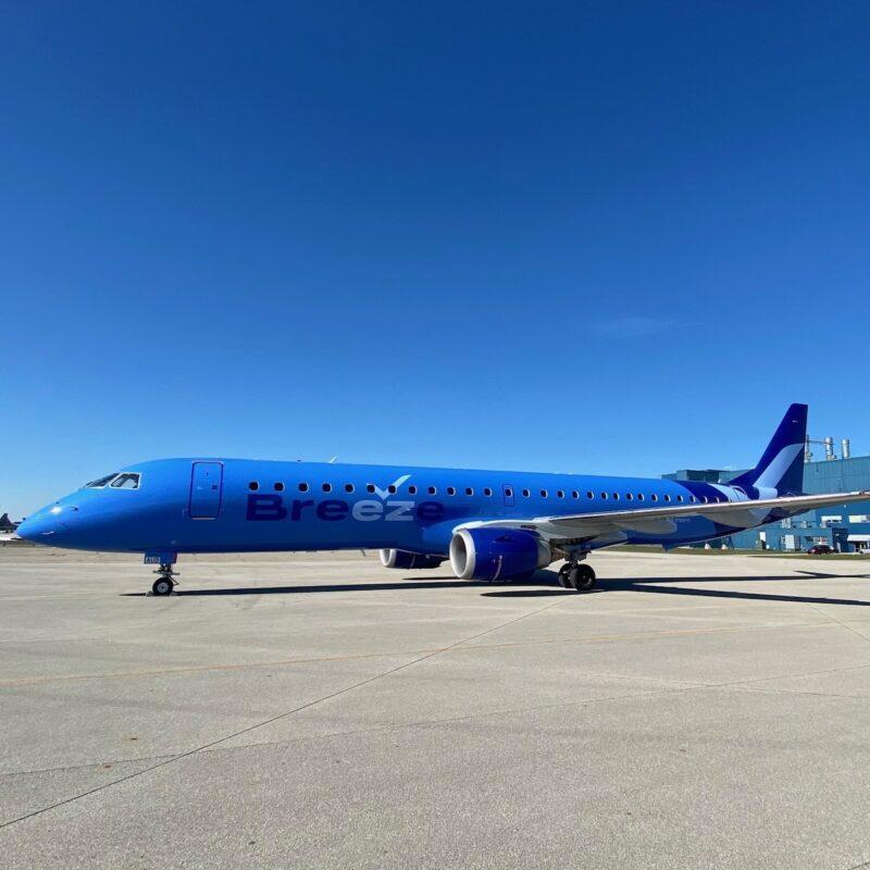Breeze Airways plane.