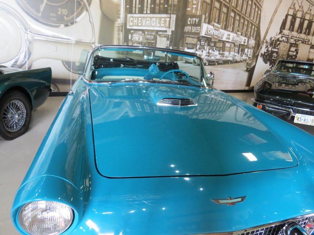 Ford Thunderbird, Kearney Classic Car Collection.