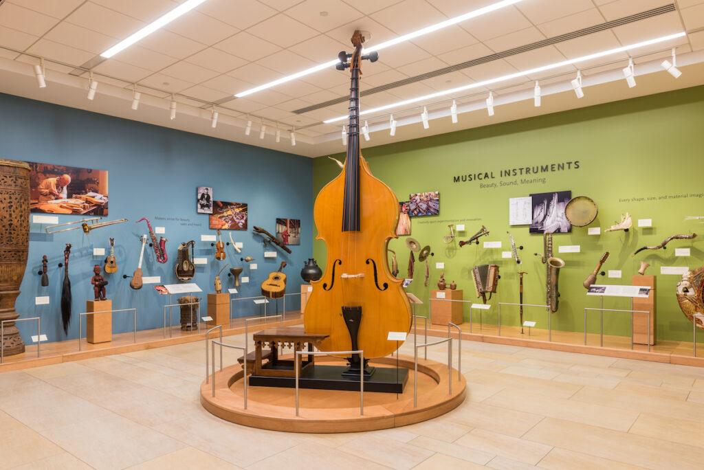 Octoberasse au musée des instruments de musique de Phoenix.