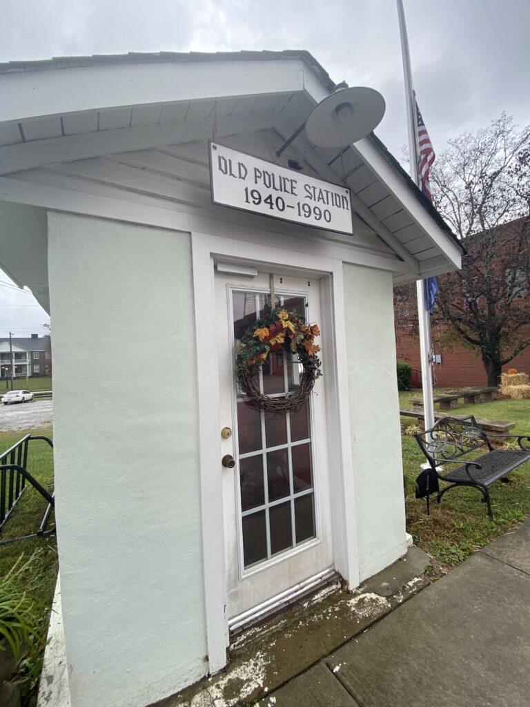 World's Smallest Police Station in Ridgeway.