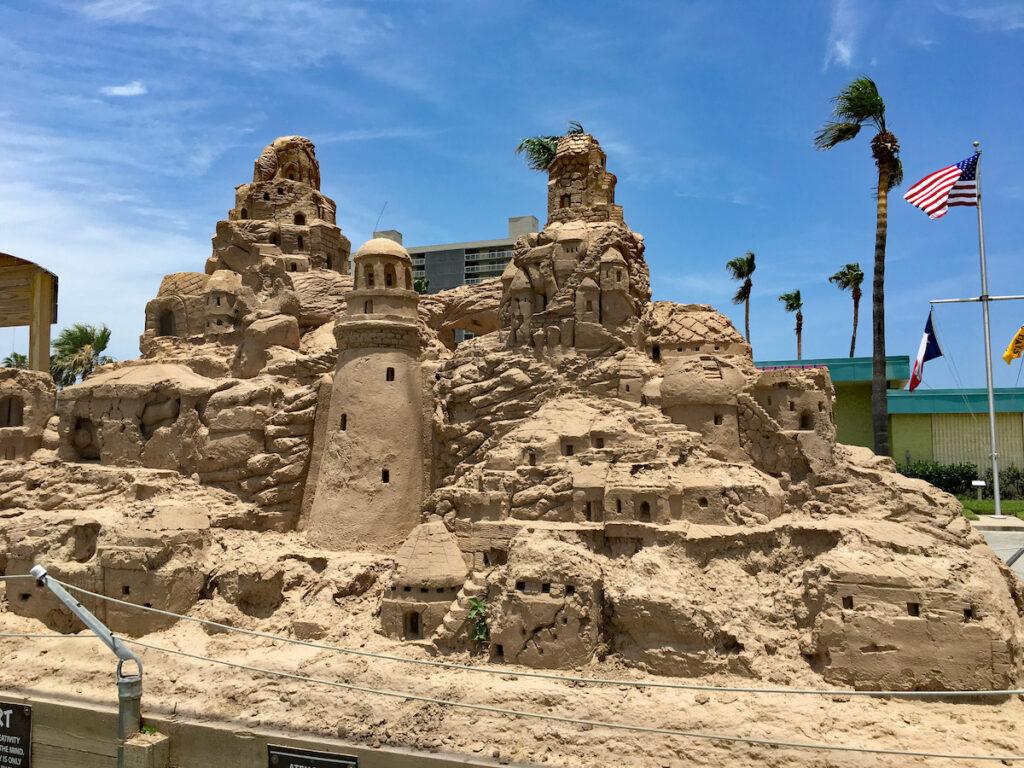 Un castillo de arena en South Badre Island.