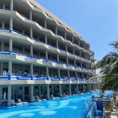 El Dorado Seaside Suites.
