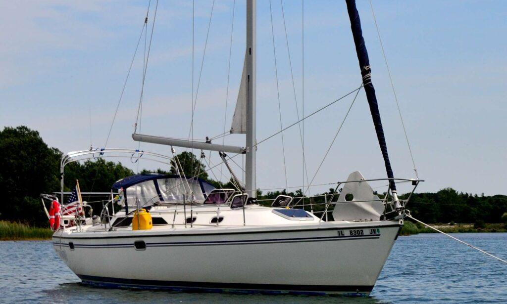 Catalina 36 Sailboat w/ captain rental in Chicago, Illinois