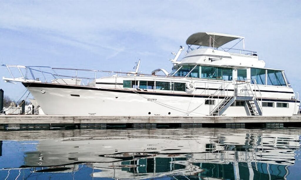 68' Adeline's Sea Moose, Most Luxurious Private Yacht Charter in Chicago