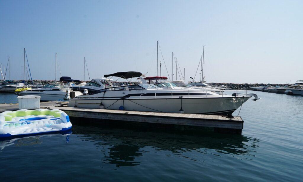 Mainship Mediterranean yacht for rent in Chicago