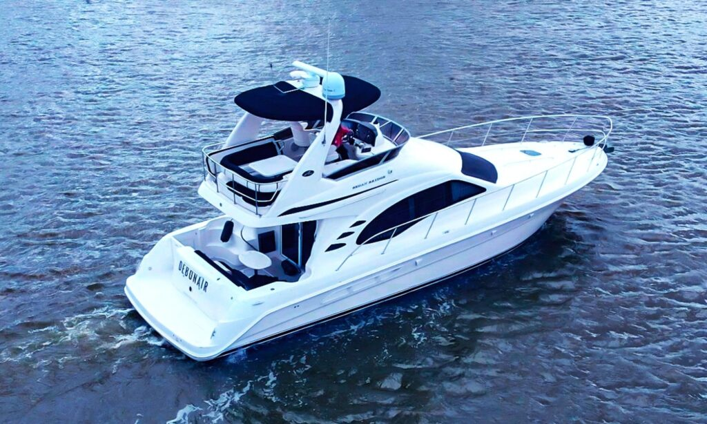 50' Multi-level Luxury Yacht with Captain rental in Chicago