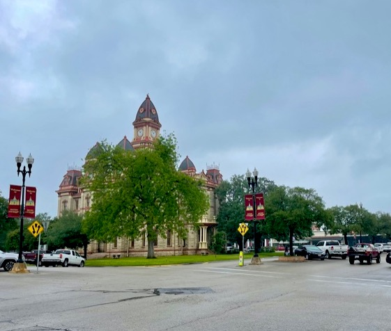 The shopping square in Lockhart.