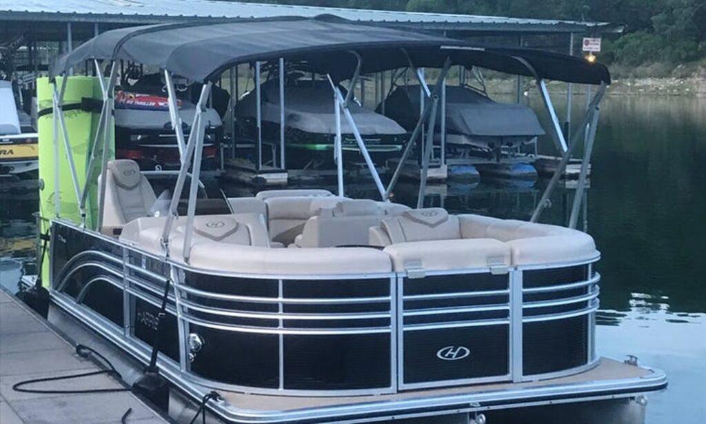 Lake Travis pontoon rental from GetMyBoat.com