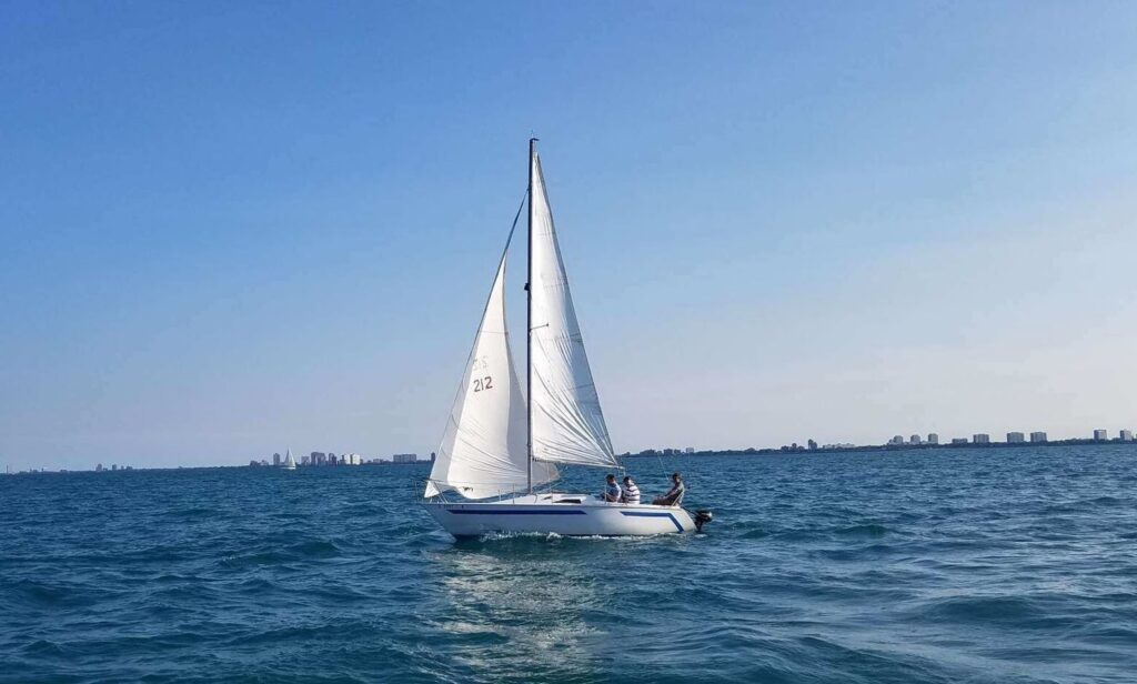 Beautiful Ranger 22 Sailboat for rent in Chicago