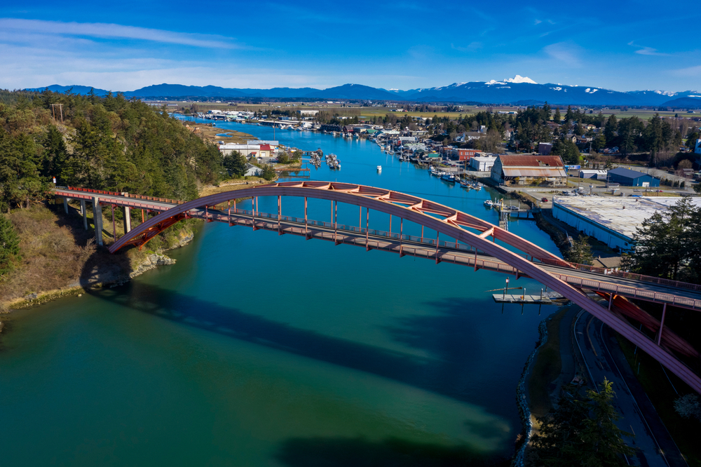 Rainbow Bridge in the Town of La Conner, Washington. Rainbow Bridge connects Fidalgo Island and La Conner, crossing Swinomish Channel in Skagit County. National Register of Historic Places.