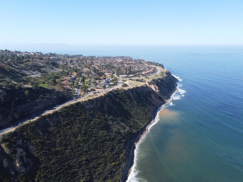Beautiful Coastal Oceanside Surfside Sunny Blue Skies Residential Neighborhood in Southern California, Los Angeles Country, Palos Verdes Peninsula