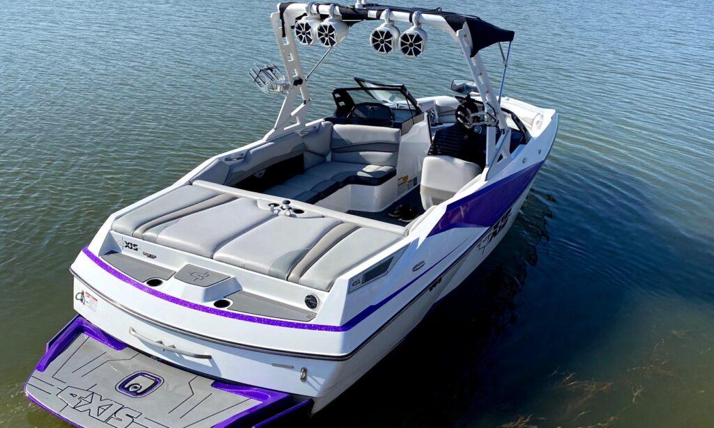 Axis A22 Lake Travis wake boat rental GetMyBoat.com