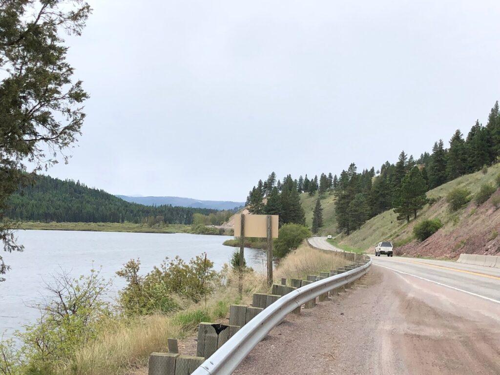 The road near Blackfoot River.