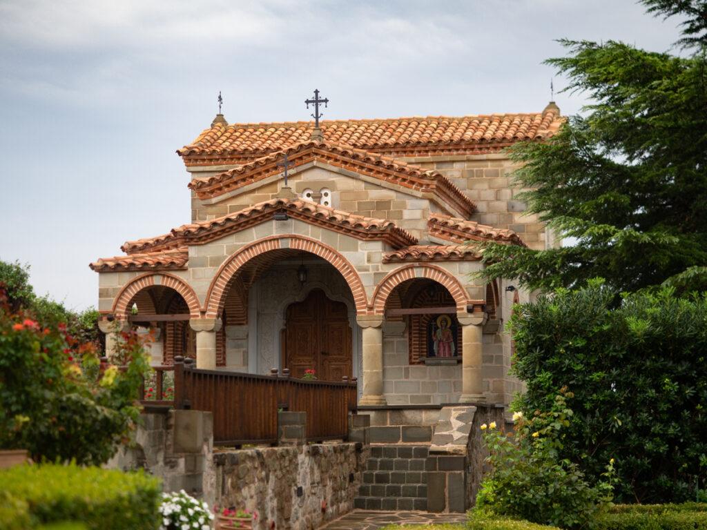 Ένα μικρό εκκλησάκι στο Μοναστήρι του Αγίου Στεφάνου.