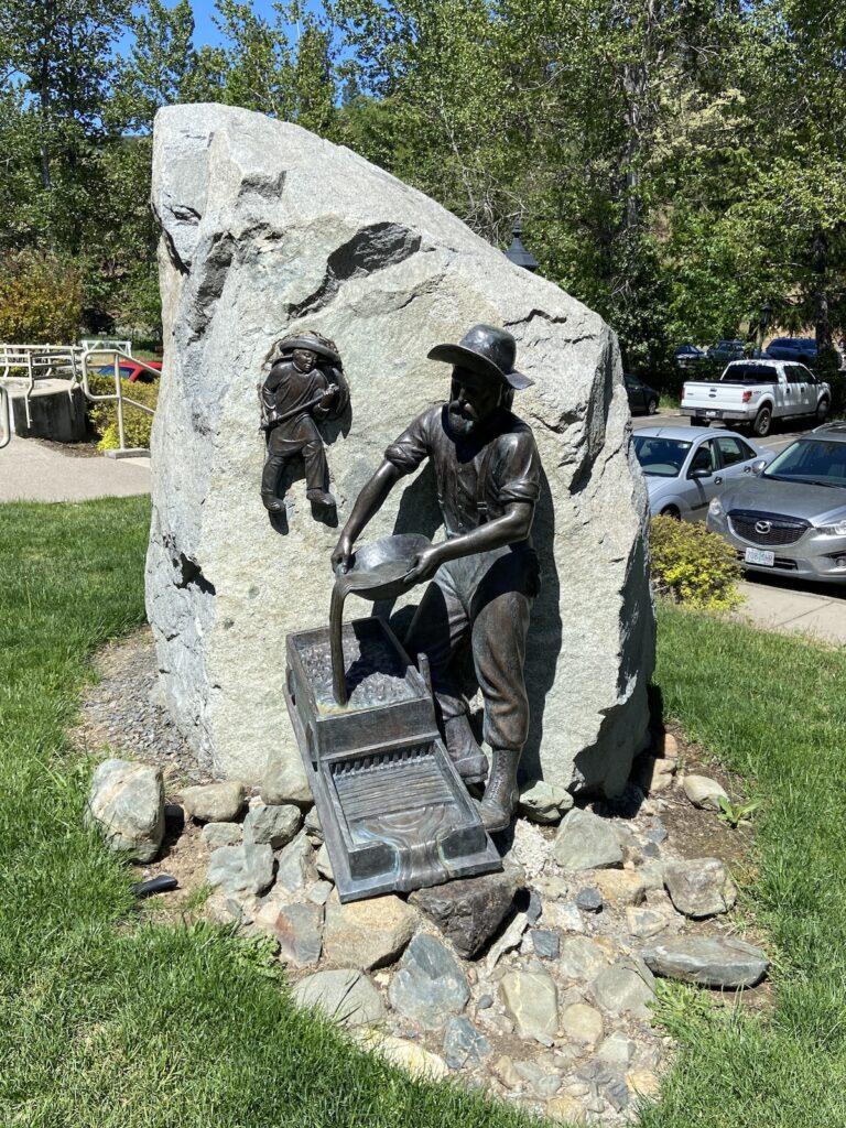 Statue dans la ville minière historique de Jacksonville, Oregon.