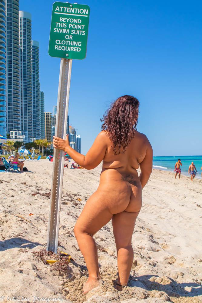 Fin de la ropa opcional playa en Haulover, Miami.