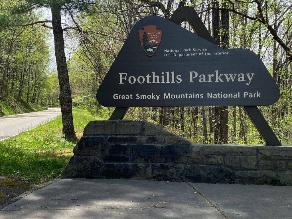 A sign for Foothills Parkway.