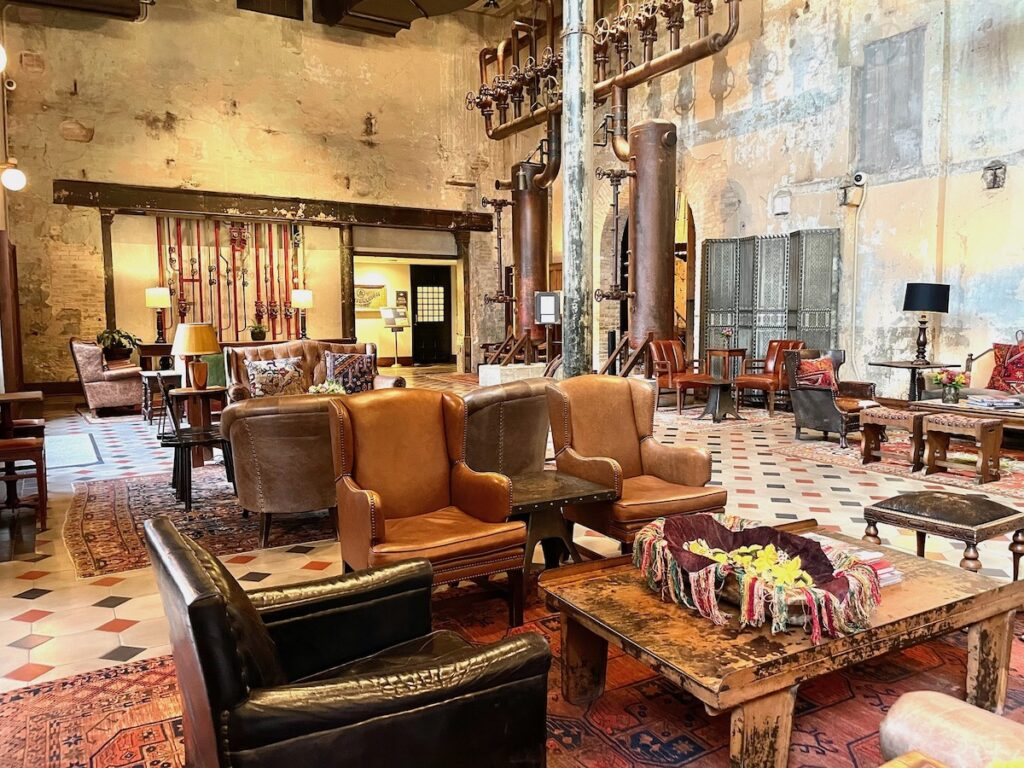 The lobby of Hotel Emma.