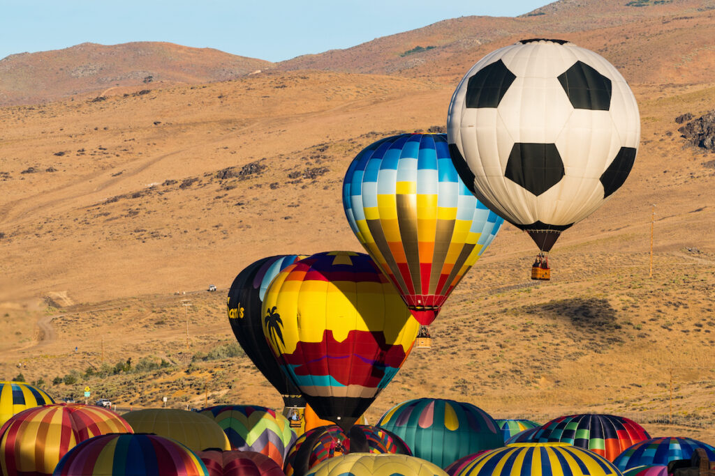 The great balloon race of Reno.