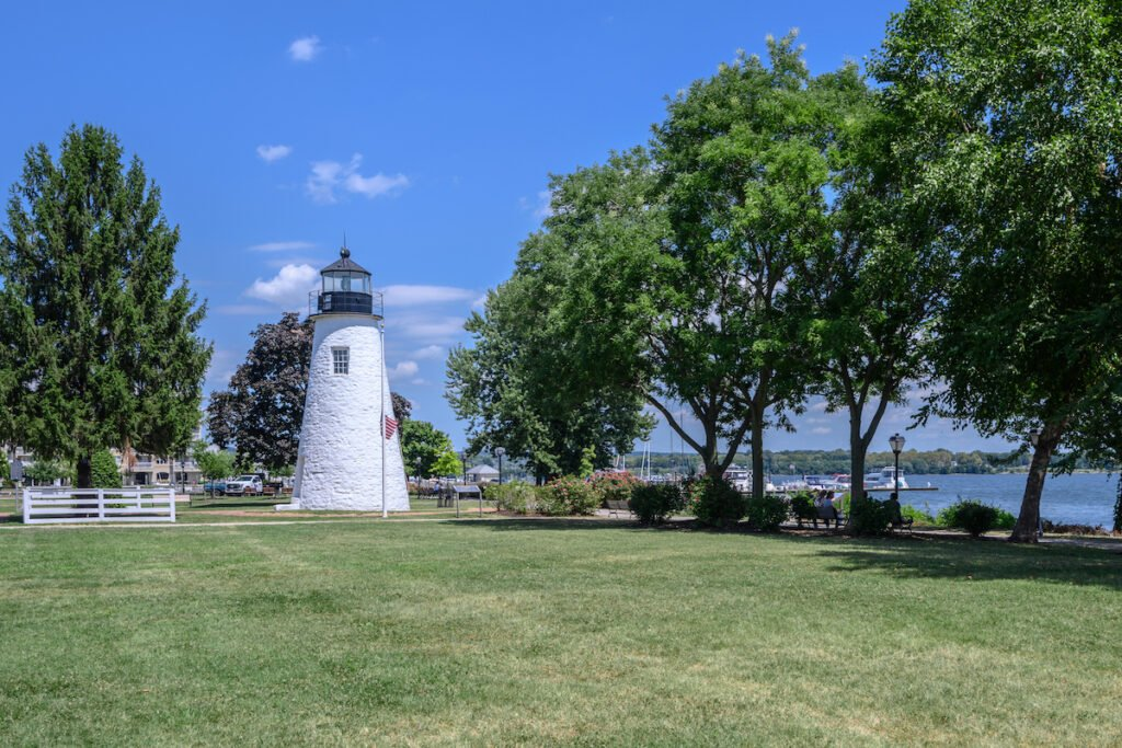 Concord Point Light is a lighthouse in Havre de Grace, Maryland.