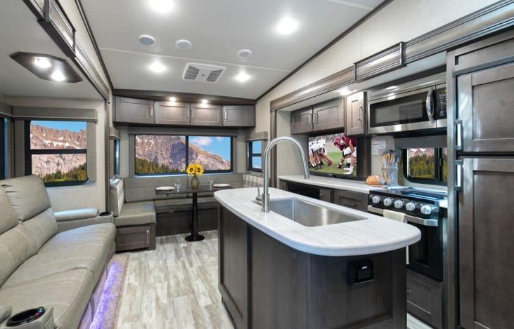2020 Grand Design Reflection 31MB RVshare camper interior kitchen