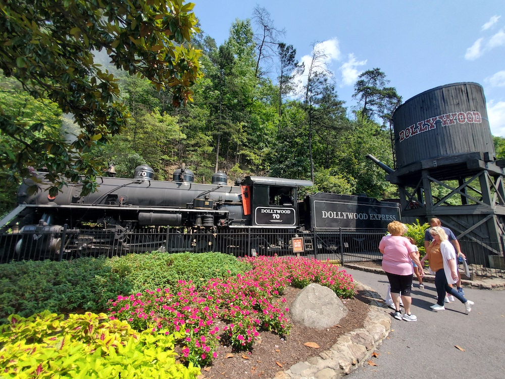 Dollywood Express coal-fired train
