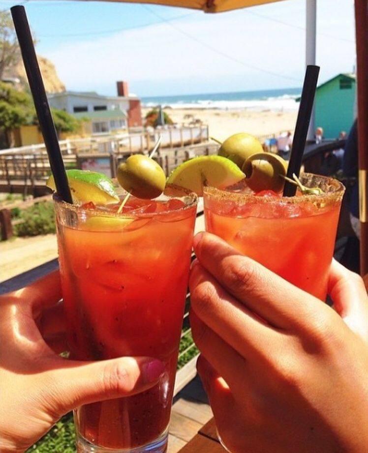 Drinks at Beachcomber Cafe.
