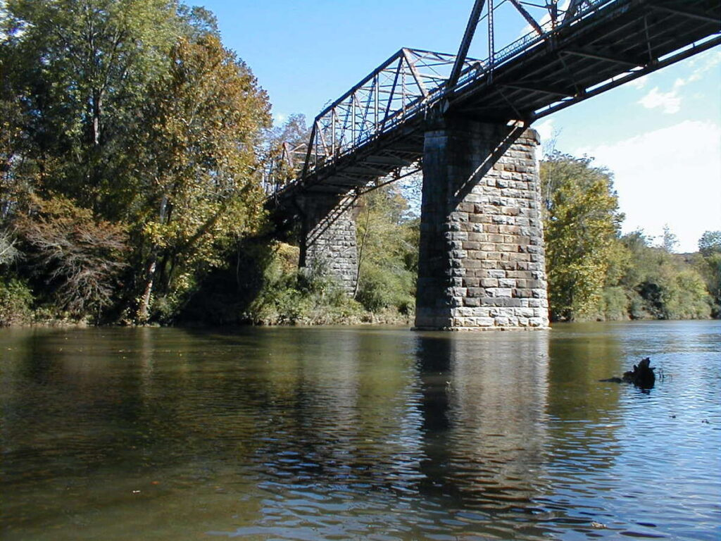 The view from the Old Highway 31 bridge to the Mulberry Fork fork.