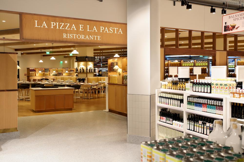 restaurant La Pizza And La Pasta