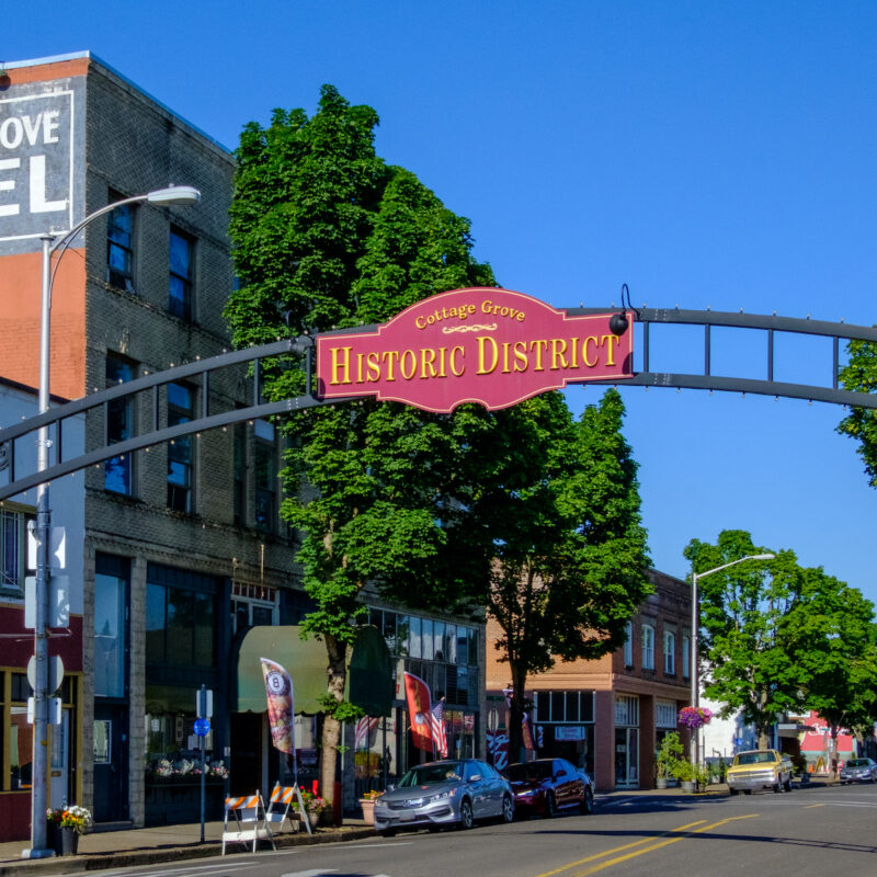 Entrance to downtown Cottage Grove, Oregon.